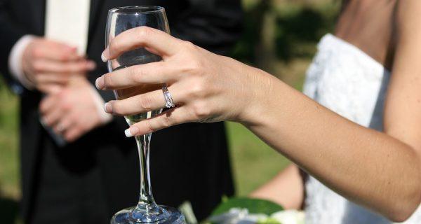 Fynd inför bröllopssäsongen